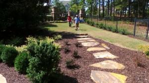 Landscape-Maintenance-Flagstone-Pathway